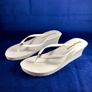 Tommy Bahama Whykiki White Flip Flops Sandals NEW